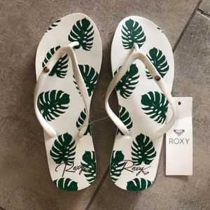 Roxy Palm Leaf Flip Flops
